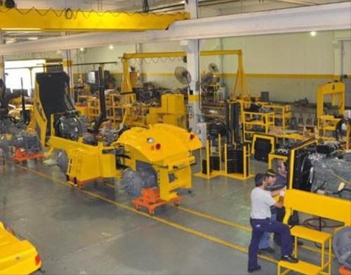 fabrica-de-tractores-pauny